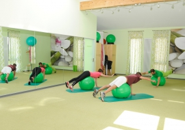 Physikalische-Therapie-Trainingsraum